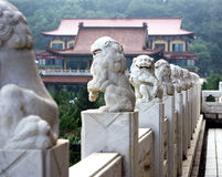 Leões de mármore chineses Fotografia de Stock