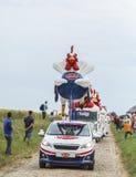 Le在鹅卵石路环法自行车赛的Gaulois Caravan 2015年 库存图片