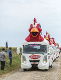 Le在鹅卵石路环法自行车赛的Gaulois Caravan 2015年 免版税库存图片