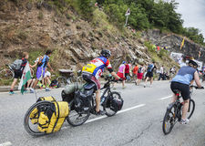 Le环法自行车赛路的非职业骑自行车者 免版税库存图片