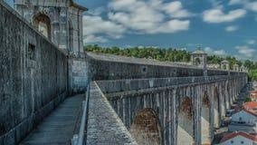 le 18ème aqueduc a construit la ville Lisbonne historique Portugal de siècle clips vidéos