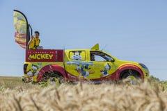 Le Журнал de Mickey автомобильное Тур-де-Франс 2016 стоковое фото rf
