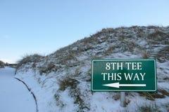 le 8ème té cette voie se connectent un terrain de golf Image libre de droits