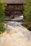 Le acque precipitanti delle cadute di Amnicon fotografia stock libera da diritti