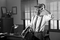 Le affärsmannen som hem går Fotografering för Bildbyråer