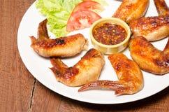Le ali di pollo della griglia si chiudono Fotografia Stock Libera da Diritti