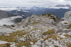 Le alpi austriache, Europa, in nebbia di autunno Fotografia Stock
