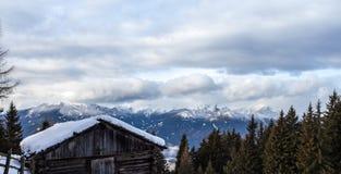 Le alpi della catena di montagna della neve abbelliscono Tirol del sud Italia Fotografia Stock