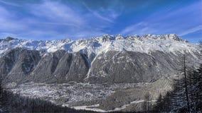 Le alpi francesi si avvicinano a Chamonix-Mont-Blanc Immagini Stock Libere da Diritti