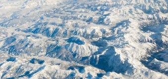 Le alpi nell'inverno dall'aereo Immagine Stock