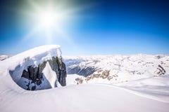 Le alpi osservano in un giorno soleggiato Immagine Stock Libera da Diritti