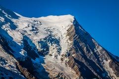 Le alpi sopra Chamonix-Mont-Blanc Immagini Stock