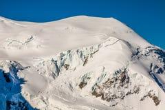Le alpi sopra Chamonix-Mont-Blanc Immagine Stock