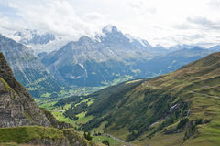 Le alpi svizzere, Grindelwald in primo luogo Fotografia Stock