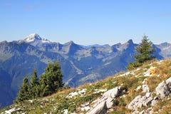 Le alpi svizzere magnifiche in autunno in anticipo Immagini Stock