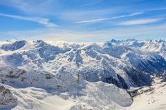 Le alpi, vista dalla cima del Mt Titlis in Svizzera Fotografia Stock