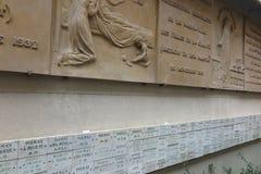 Le ardesie ringraziano la madre Maria e la parete intorno alla chiesa della m. Fotografie Stock Libere da Diritti