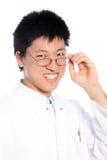 Le asiatisk man som ha på sig exponeringsglas Arkivfoton