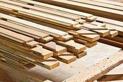 Le azione di tagliano legna Immagini Stock Libere da Diritti