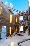 Le bâtiment à deux étages abandonné Photo libre de droits