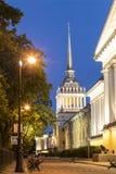 Le bâtiment d'Amirauté - les anciens sièges sociaux du conseil d'Amirauté et de la marine russe impériale à St Petersburg Image stock