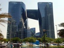 Le bâtiment d'opus, icône de baie d'affaires à Dubaï images stock