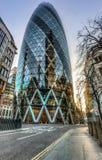 Le bâtiment de cornichon à Londres Images stock