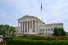 Le bâtiment de court suprême à Washington, D C image stock