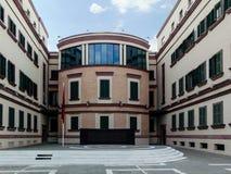 Le bâtiment de gouvernement du ministère des affaires intérieures, Tirana, Albanie image stock
