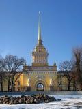 Le bâtiment de l'Amirauté principal à St Petersburg Photo stock