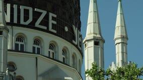Le bâtiment de Yenidze, un ancien bâtiment d'usine de cigarette 21:9 ROUGE de 5K WS banque de vidéos