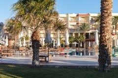 Le bâtiment et l'aire de loisirs de Hilton Hotel luxueux, Sharm el-Sheikh, Egypte, le 2 février 2016 photos libres de droits