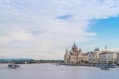 Le bâtiment hongrois du Parlement sur le Danube à Budapest Images stock