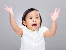 Le bébé deviennent fâché images stock