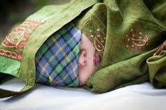 Le bébé enveloppé photographie stock libre de droits