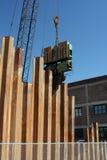 Le bélier a déposé des empilages en métal en vue de la construction neuve Photo libre de droits