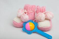 Le babbucce del bambino rosa Fotografia Stock