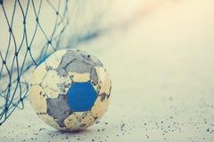 Le ballon de football long est durable images stock