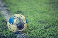 Le ballon de football long est durable photo libre de droits