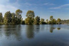 Le banche del fiume Ruhr vicino a Muelheim, Germania Immagini Stock