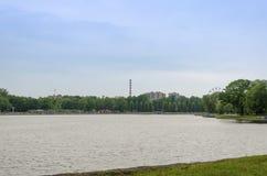 Le banche del lago superiore a Kaliningrad Fotografie Stock