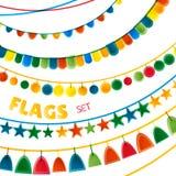 Le bandiere luminose delle ghirlande di festa di colori dell'arcobaleno hanno messo su fondo bianco, vettore Fotografia Stock Libera da Diritti