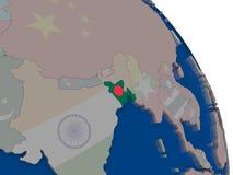 Le Bangladesh avec le drapeau sur le globe Photos libres de droits