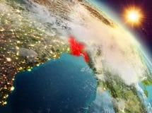 Le Bangladesh dans le lever de soleil de l'orbite Photo stock
