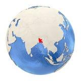 Le Bangladesh en rouge sur le plein globe d'isolement sur le blanc Photographie stock libre de droits