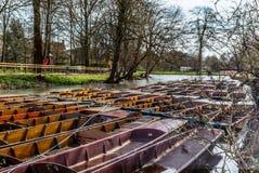 Le barche di legno classiche si sono messe in bacino sul fiume a Oxford - 6 Fotografia Stock Libera da Diritti