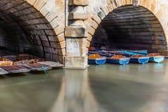 Le barche di legno classiche si sono messe in bacino sul fiume a Oxford - 4 Fotografia Stock Libera da Diritti