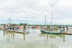 Le barche hanno attraccato al villaggio di Steveston a Richmond, Columbia Britannica, Canada fotografie stock