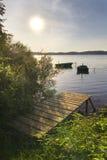 Le barche hanno attraccato sul lago Fotografie Stock