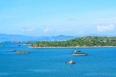 Le barche trasportano a Koh Si Chang Fotografie Stock Libere da Diritti